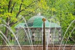 декоративное лето peterhof дома Стоковая Фотография