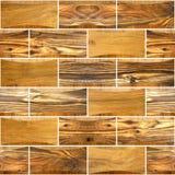 Декоративные деревянные кирпичи - внутренняя отделка стен Стоковые Фотографии RF