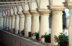 Декоративные колонки в замоке стоковое изображение rf