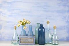 Декоративные установленные бутылки стоковое фото rf