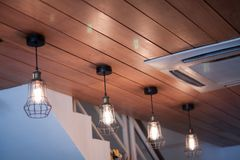 Декоративные электрические лампочки в современном стиле Стоковая Фотография