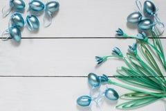 Декоративные яичка и snowdrops в методе quilling Стоковая Фотография