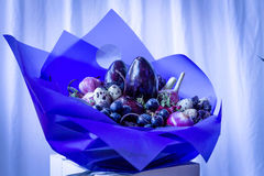 Декоративный букет ягод и плодоовощей флористическо стоковая фотография