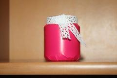 Декоративный опарник с белым шнурком Стоковое Фото