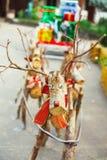 Декоративный северный олень Санты сделанный деревянных журналов и ветвей Принципиальная схема рождества Стоковое Изображение RF