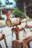 Декоративный северный олень Санты сделанный деревянных журналов и ветвей Принципиальная схема рождества Стоковая Фотография RF