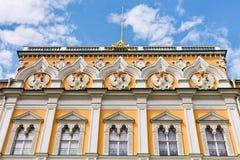 Декор грандиозного дворца Кремля в Москве стоковое фото rf