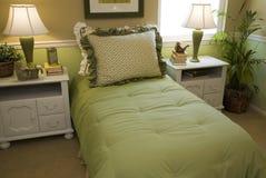 декор спальни удобный самомоднейший стоковое фото