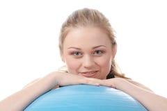 делать детенышей женщины пригодности тренировки счастливых Стоковые Фото