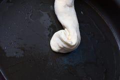 Делать домодельного пирога сыра или другого вида закуски печенья Стоковые Изображения RF