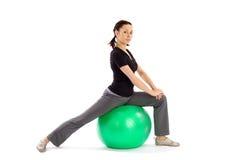 делать женщину pilates тренировки Стоковое Изображение