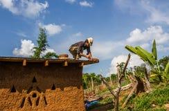 Делать крыши дома грязи Стоковые Изображения
