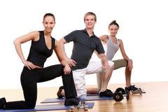 делать людей группы пригодности тренировок Стоковая Фотография RF