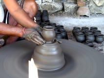 делающ горшечника баков малым Стоковая Фотография RF