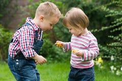 делить конфеты Стоковое Изображение
