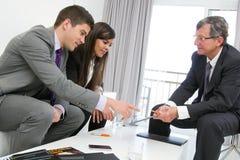 деловая встреча threesome Стоковые Изображения
