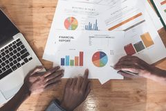 Дело и финансовый планировать встречи обсуждения сыгранности Conc стоковое изображение