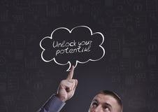 Дело, технология, интернет и маркетинг Молодой бизнесмен стоковое изображение rf