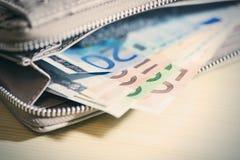 Дело, финансы, вклад, сбережения и концепция наличных денег - близкий u Стоковое фото RF