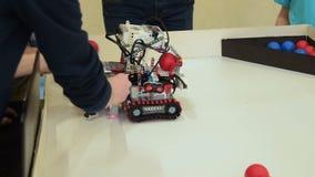 Демонстрация сборника робота акции видеоматериалы