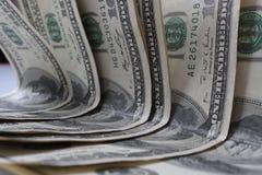 100 денег долларовых банкнот Стоковые Фотографии RF
