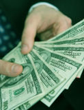 деньги бизнесмена стоковая фотография