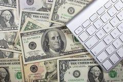 Деньги, билеты и движение наличных денег Стоковые Фото