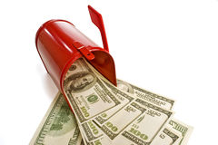 Деньги в почте стоковая фотография