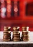 Деньги и банк сбережений для концепции финансов Стоковая Фотография RF