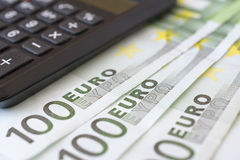 Деньги и калькулятор евро Стоковая Фотография RF