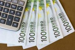 Деньги и калькулятор евро Стоковое Изображение