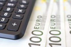 Деньги и калькулятор евро Стоковые Изображения RF