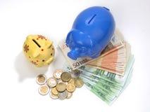 деньги коробок сохраняют Стоковая Фотография RF