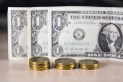 Деньги, монетки, обмен стоковая фотография