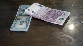 Деньги на пакостной таблице видеоматериал