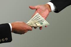 деньги обменом Стоковые Фотографии RF