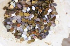 Деньги по всему миру, в старом шаре Стоковая Фотография RF