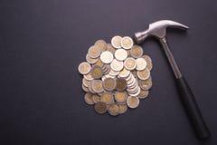 Деньги ремонта или отладки или финансовая концепция Промышленный инструмент и Стоковое фото RF