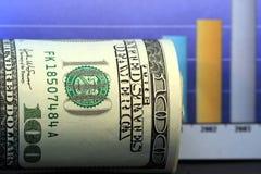 деньги роста столбиковой диаграммы стоковая фотография