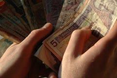 деньги руки Стоковая Фотография RF