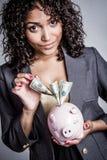 Деньги сбережений женщины стоковые фотографии rf