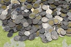 Деньги стога монеток Таиланда бата Стоковые Изображения