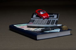 Деньги с калькулятором и машиной Стоковое Изображение RF