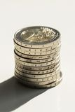 Деньги, финансы чеканит евро стоковое фото rf