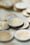 Деньги, финансы чеканит евро стоковые изображения rf