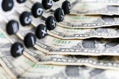 деньги чалькулятора сверх Стоковая Фотография