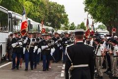 День Бастилии в Париже - 14 Juillet àПариж стоковое изображение