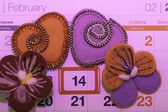 День Валентайн, handmade продукты от войлока стоковые фотографии rf