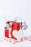День валентинок и сердце подарочной коробки и бумаги формируют Стоковое фото RF