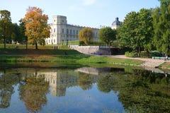 День в сентябре в парке дворца Gatchina Область Ленинграда, Россия стоковая фотография